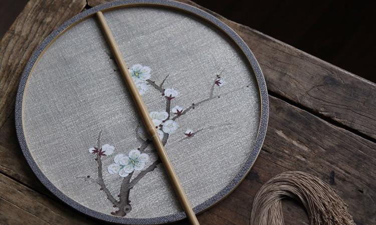 团扇梅花刺绣图片