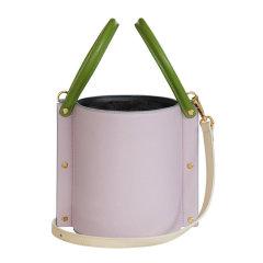 YUZEFI/YUZEFI 19春夏 女士牛皮铆钉装饰中号水桶包单肩斜挎包手提包图片