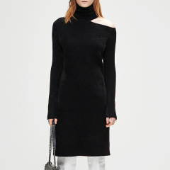 MO&Co./摩安珂女士连衣裙MOCO2018冬季新品个性露肩高领连衣裙MA184DRS311图片