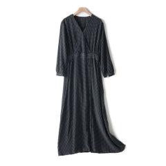 GeleiStory/GeleiStory2020年夏季22姆米重磅砂洗真丝V领夏日潮流系列中长款波点真丝女士连衣裙图片