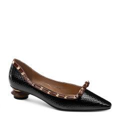 卡米 2020新款蛇纹铆钉单鞋流行尖头异形跟乐福鞋图片