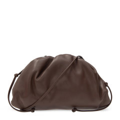 Bottega Veneta/宝缇嘉 The Pouch系列  女士小牛皮垂褶系带时尚云朵包手拿包图片
