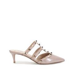 【国内现货】Valentino/华伦天奴 2021款 女士漆皮Rockstud铆钉装饰尖头高跟鞋穆勒鞋 VW2S0V23 VNW图片