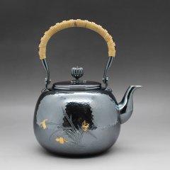 竹银堂 望月形兰花槌纹纯银壶-雕刻兰花 煮水 壶  茶壶 重量605克左右容量1L图片