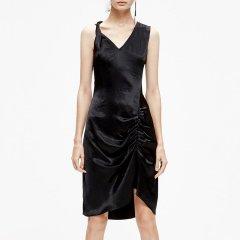 MO&Co./摩安珂女士连衣裙2019夏季新品不对称斜裁V领无袖连衣裙MAI2DRS054图片