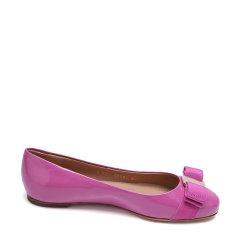 Salvatore Ferragamo/菲拉格慕牛漆皮材质蝴蝶结装饰女士平跟鞋图片