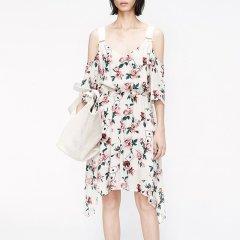 MO&Co./摩安珂女士连衣裙2019夏季新品碎花吊带露肩印花连衣裙MAI2DRS052图片