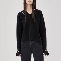 MO&Co./摩安珂女士针织衫/毛衣MOCO2018秋季新品个性切口套头V领羊毛衫MA183SWT302图片