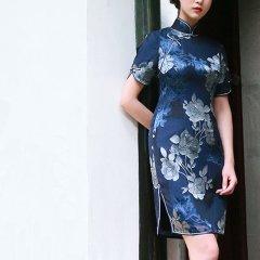 GRACEFUL LADY/旧时闺秀/花开堪折/灰蓝两色烂花真丝短女旗袍图片