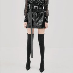 MO&Co./摩安珂女士半身裙MOCO2018秋季新品PU皮质A字显瘦半身裙MA183SKT112图片