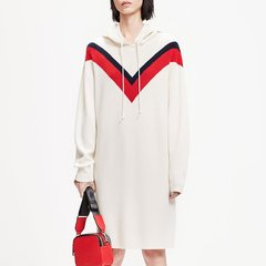 MO&Co./摩安珂女士连衣裙2019春季新品V型撞色拼接连帽羊毛连衣裙MAI1DRS028图片