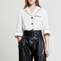 MO&Co./摩安珂女士短袖衬衫2018春季新品翻驳领英文刺绣中袖睡衣风上衣图片