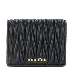 MiuMiu/缪缪 女士简约纹路翻盖多层钱包 [材质:牛皮革]图片